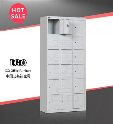 18 Compartment Metal Lockers